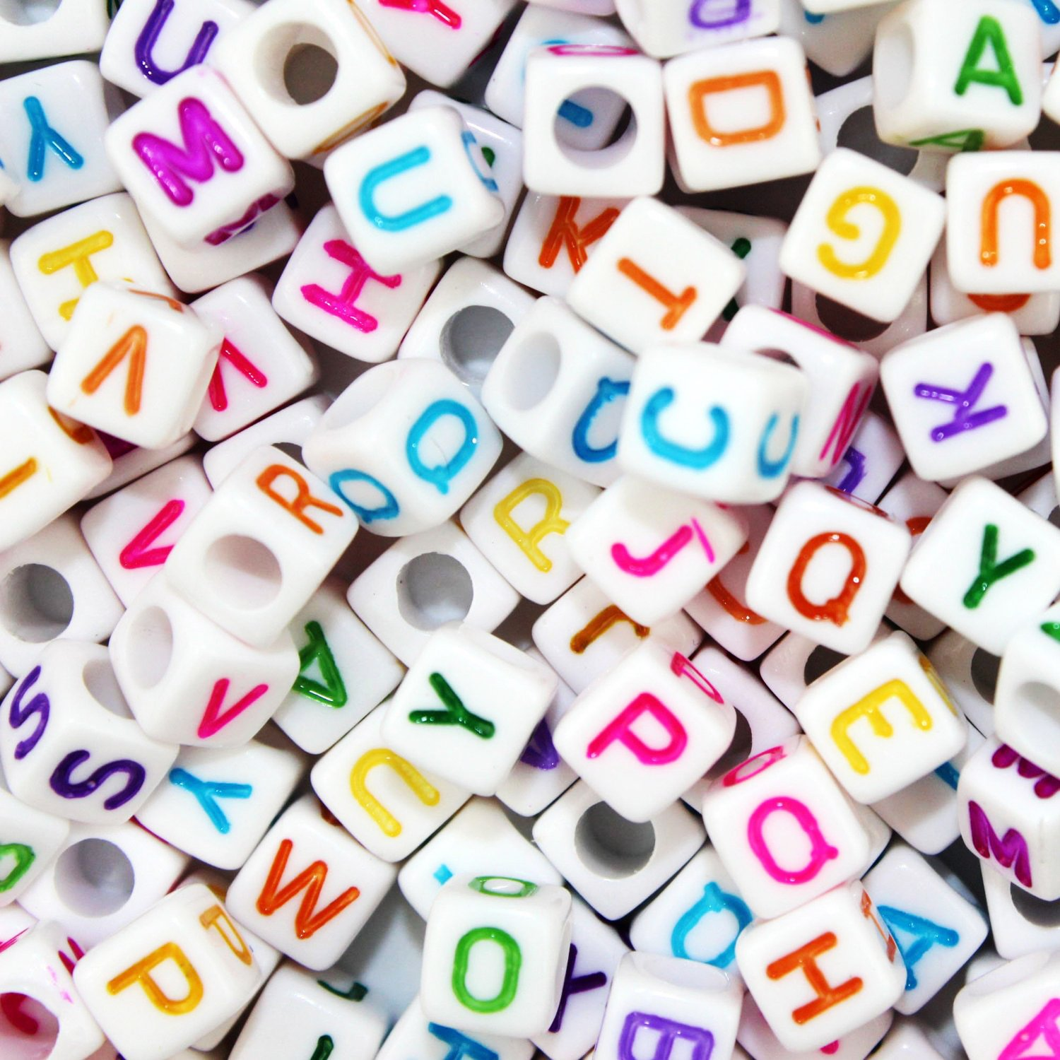 JPSOR 800 Pcs Letter Beads Alphabet Beads for Jewelry Making with Colorful Letters for Kids DIY Bracelets, Necklaces, Children's Educational Toys, Handmade Gift (White Beads with Colorful Letters)
