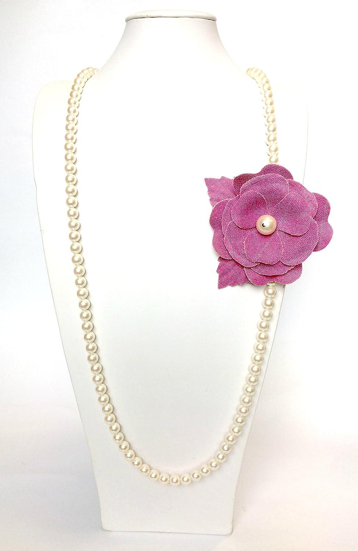 Collar Larga De Perlas Con Flor De Tela Fuchsia Art. b000219