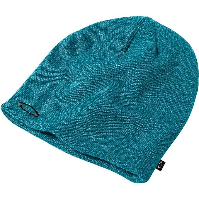 3886be872a4 Amazon.com   Oakley Men s Fine Knit Beanie   Clothing
