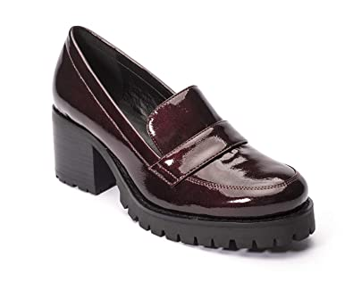 be22512cd82 Jane and the Shoe Women s Leighton Burgundy Heeled Loafer 6