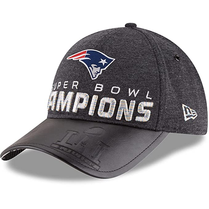competitive price d043a 35821 Amazon.com   New England Patriots New Era Super Bowl LI Champions Trophy  Collection Locker Room 9FORTY Adjustable Hat Heathered Black   Clothing