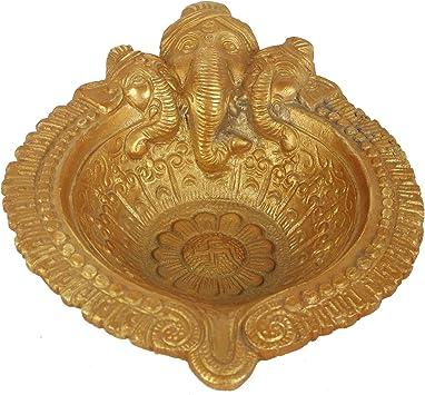 Amazon Com Guru Jee Brass Deepak 3 Face Lord Ganesha Diya Oil Wick Lamp Puja Item Home Decor Fengshui Religious Gifts Deep Aarti Showpiece Furniture Decor