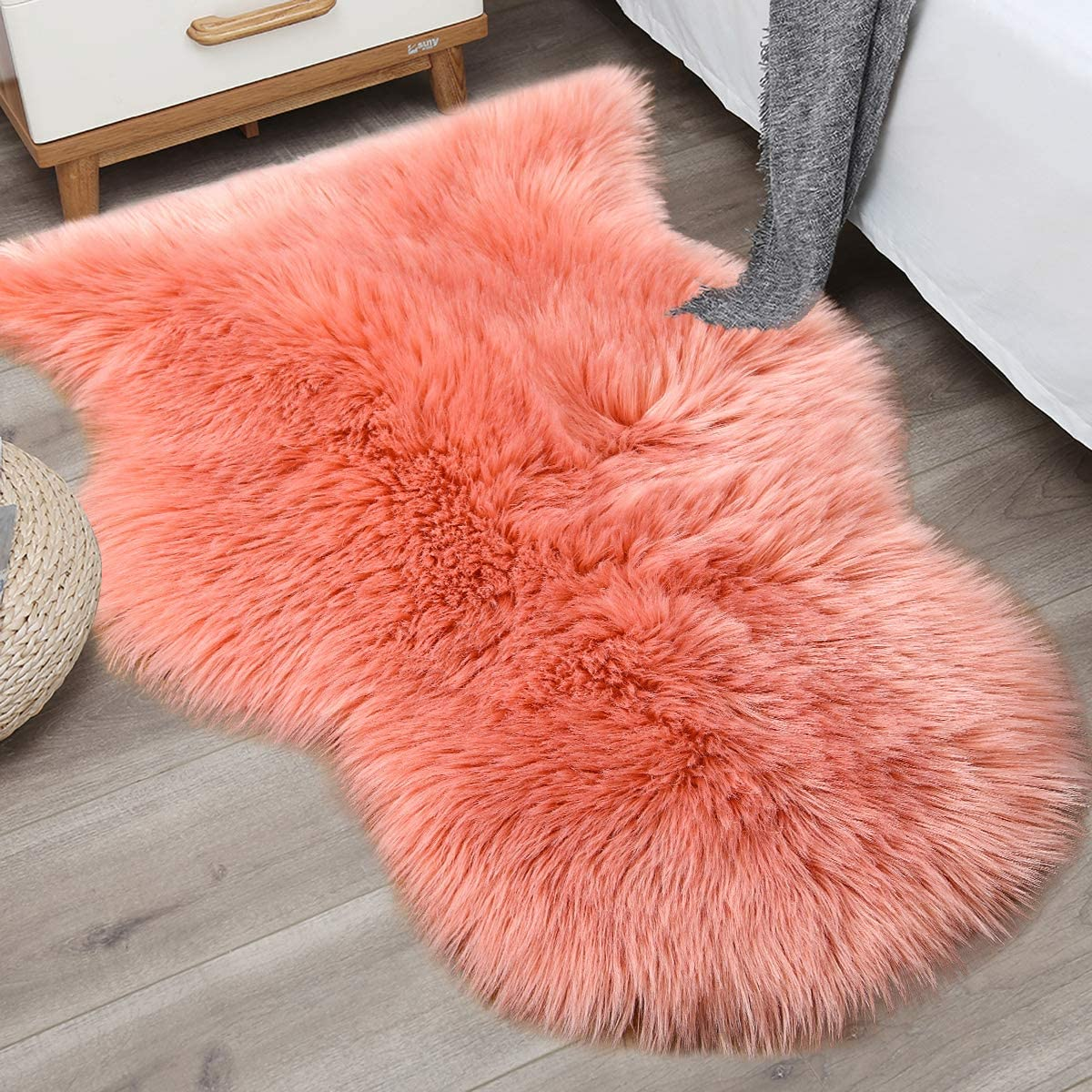 Noahas 2ft x 3ft Faux Fur Sheepskin Rugs Luxury Fluffy Rug for Bedroom Sofa Chair Cover Fuzzy Throw Home Decor Small Shaggy Carpet, Coral Red