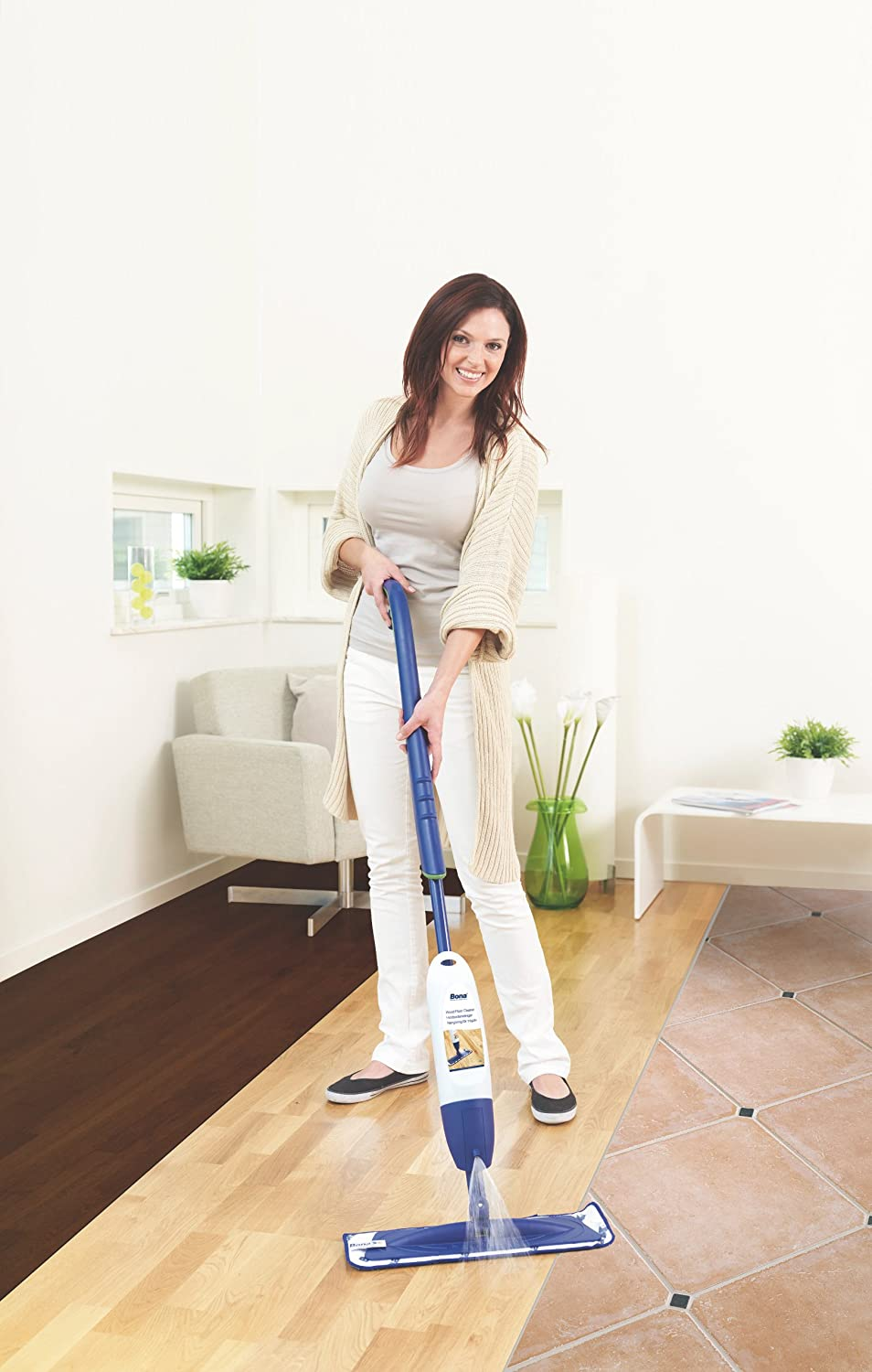 Bona ca202020012 tile and laminate spray mop kit amazon bona ca202020012 tile and laminate spray mop kit amazon kitchen home dailygadgetfo Images