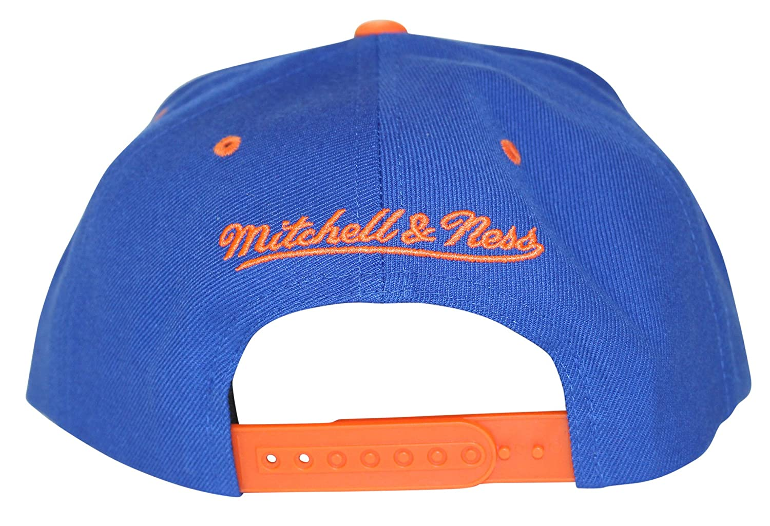 separation shoes d47f1 fb394 Mitchell   Ness Men s NBA XL Rubber Weld Logo Snapback Cap, Golden State  Warriors at Amazon Men s Clothing store