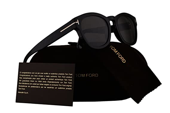 0e4c6c1e3b1 Tom Ford FT0590 Bryan Sunglasses Shiny Black w Polarized Smoke Lens 01D  TF590  Amazon.co.uk  Clothing