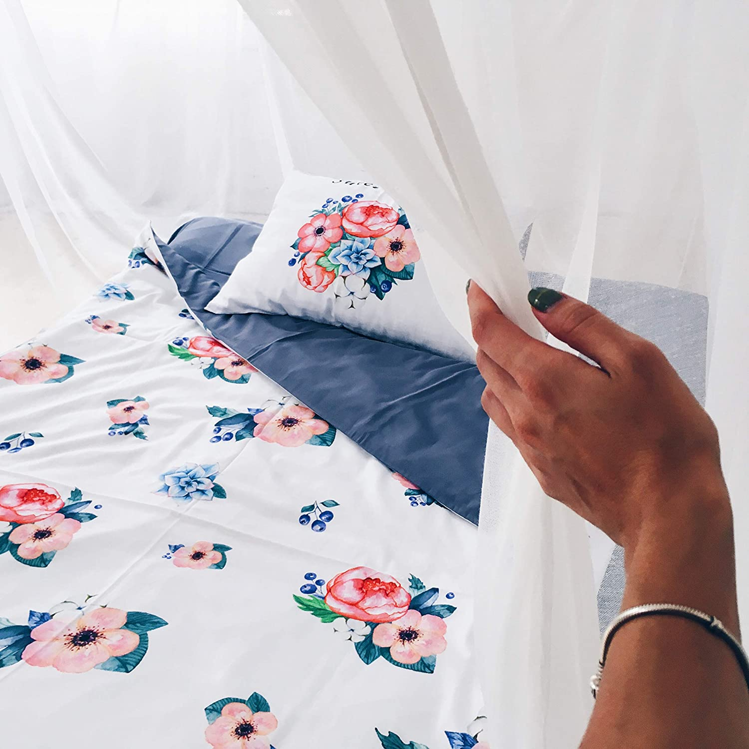 Image of Floral twin duvet cover for girls. Girl room decor