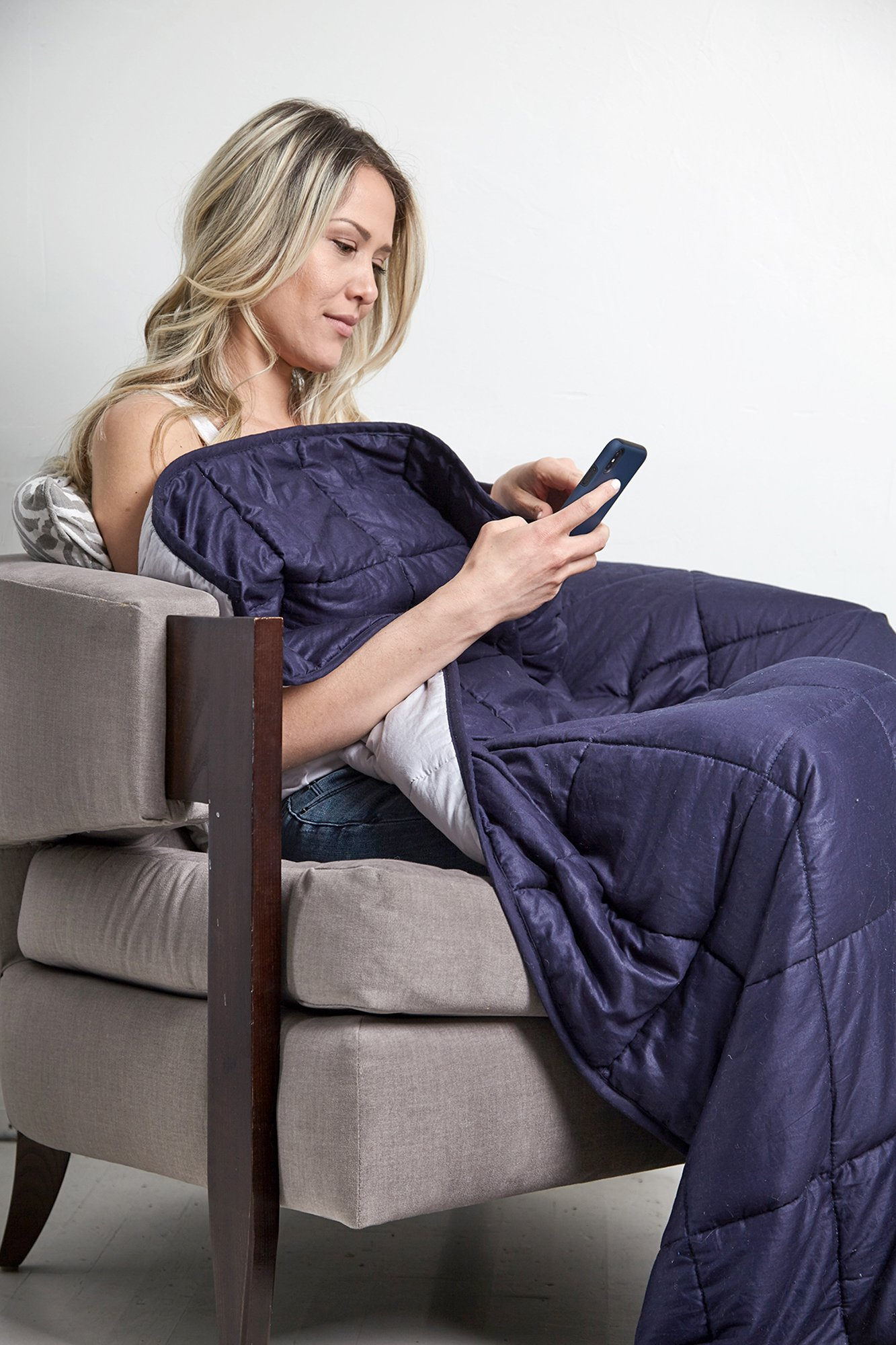"""Weighted Blanket Sensory Solutions for Adults and Kids   Size Large 15 lbs 48"""" X 72"""" Navy Blue   Deep Pressure for Sound Sleep and Natural Stress Relief from Anxiety related to Autism, PTSD, Insomnia by DreamStill (Image #3)"""