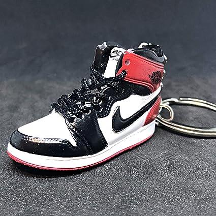 c02c8716c9a Amazon.com : Air Jordan I 1 Retro High Black Toe Chicago OG Sneakers Shoes  3D Keychain Figure : Everything Else