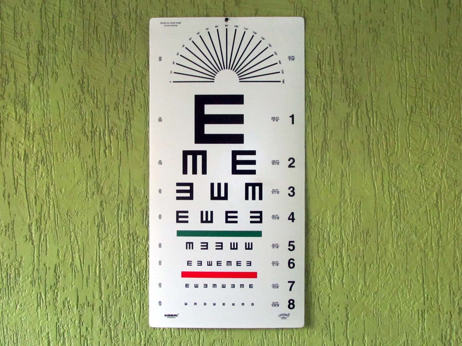 Illiterate Landolt ''E'' charts with Red/Green Lines & Astigmatism Chart 20 Feet