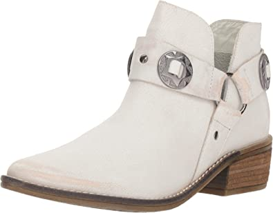 Chinese Laundry Womens Austin Ankle Boot