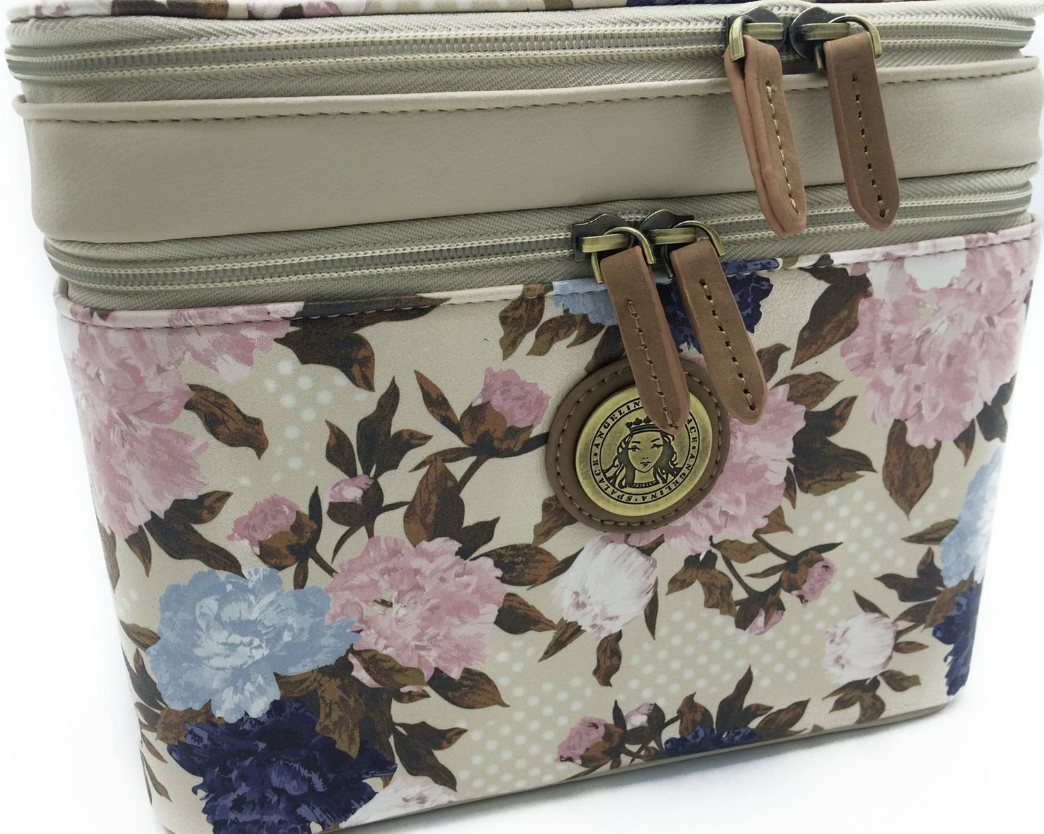 e2077b28411c Amazon.com: Angelina's Palace Kemi double layers Travel Beauty Case ...