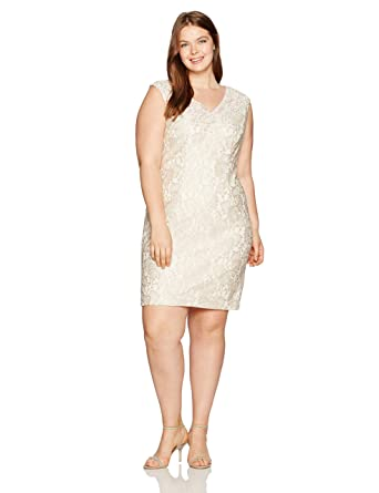 328cebb57717 Alex Evenings Plus Size Women s Short Shift Dress with Embroidered Neckline  at Amazon Women s Clothing store