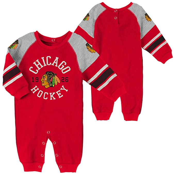88daff1b5 Amazon.com: Reebok Chicago Blackhawks Baby Long Sleeve Onesie (0-3M ...