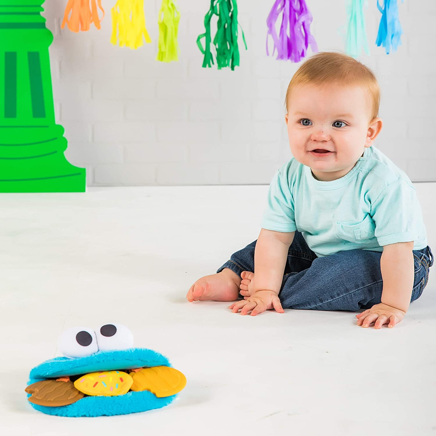 Bright Starts Sesame Street Cookie Mania Teether On-The-Go Take-Along Toy Ages 3-12 Months