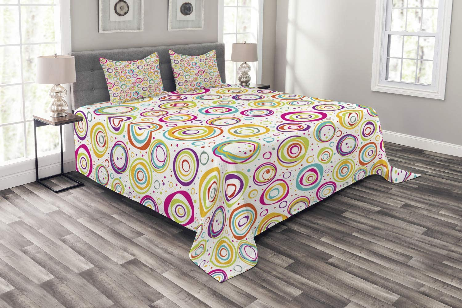 Ambesonne Geometric Bedspread King Size Multicolor Childish Spirals with Funny Dots Bubbles Background Kids Nursery Theme Print Decorative Quilted 3 Piece Coverlet Set with 2 Pillow Shams