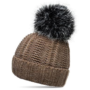 2f72a003b954cd CASPAR MU162 Damen gefütterte Mütze Strickmütze mit XL Fellbommel,  Farbe:braun;Größe: