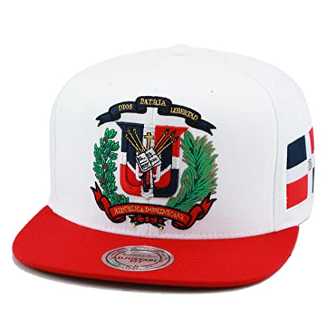 88131f0f80f Amazon.com  Mitchell   Ness Dominican Republic Snapback Hat Cap White Red DR  Emblem  Sports   Outdoors