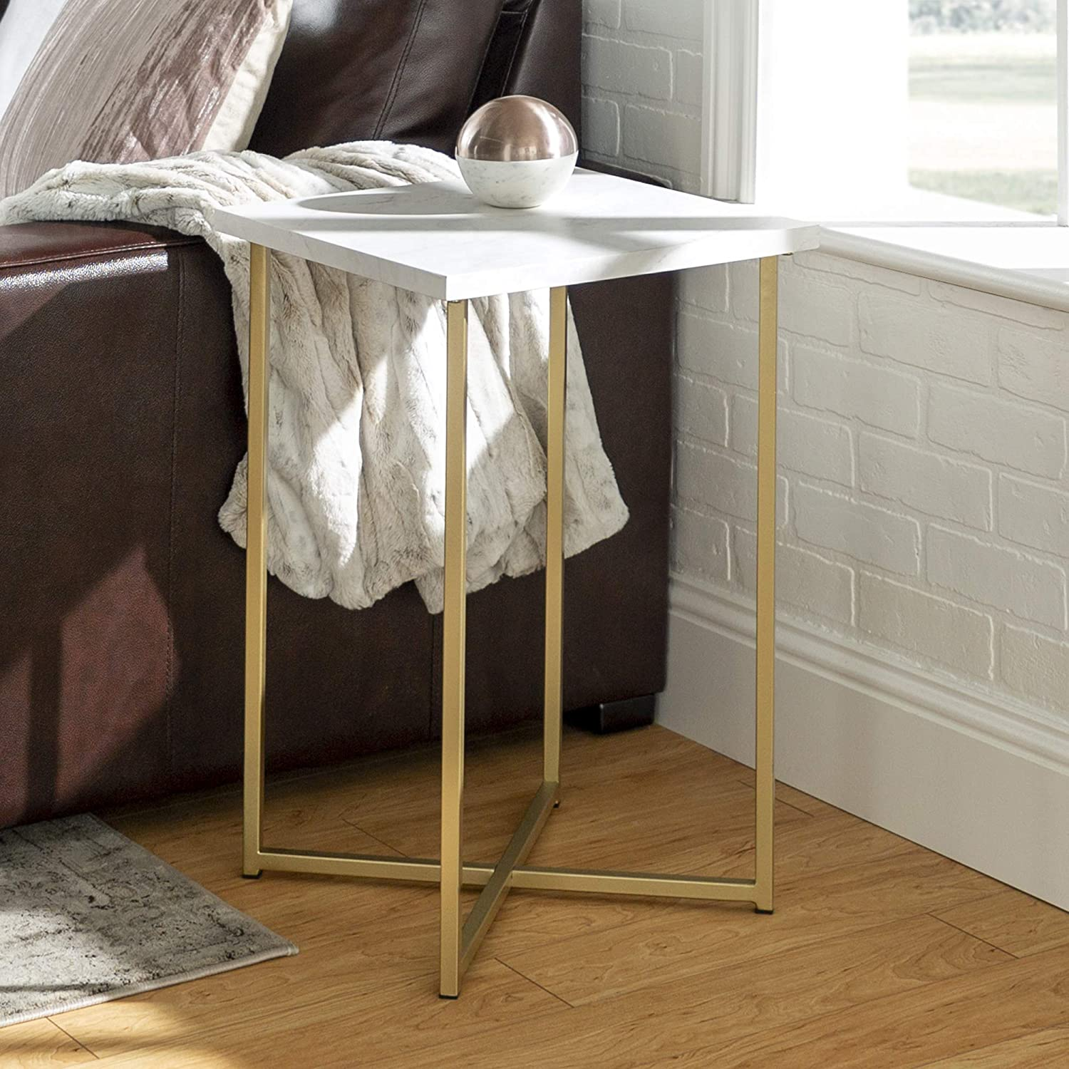"WE Furniture AZF16LUXWMG Side Table 16"" Faux White Marble/Gold"