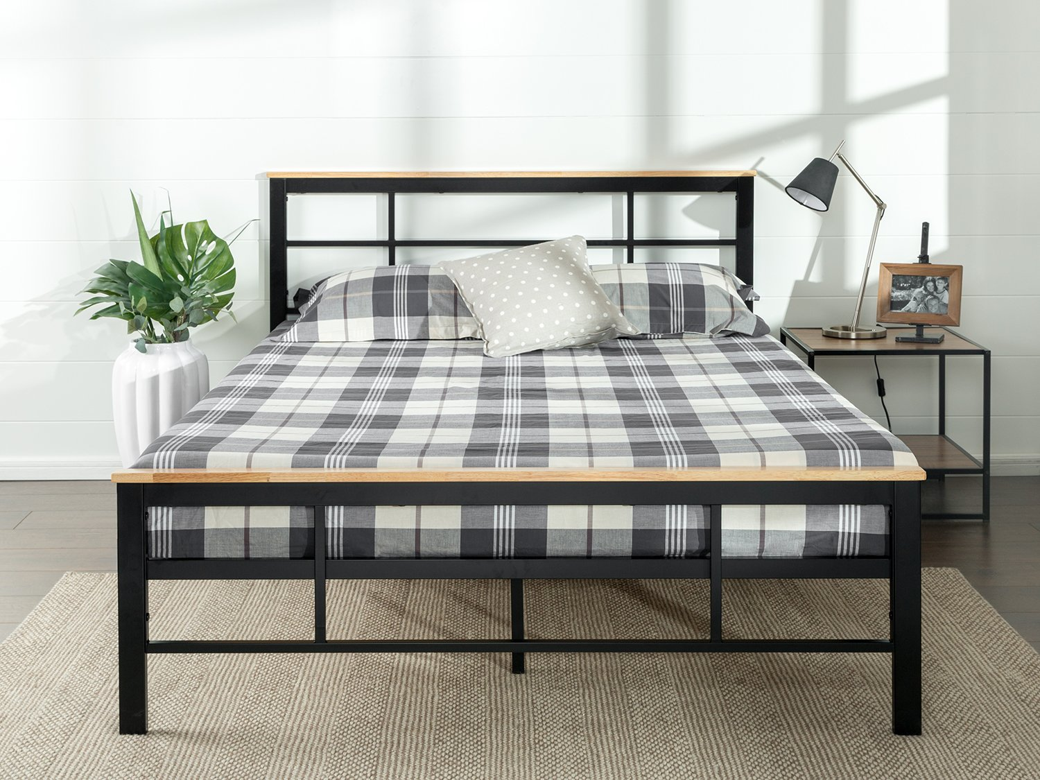 Zinus Urban Metal and Wood Platform Bed with Wood Slat Support , King