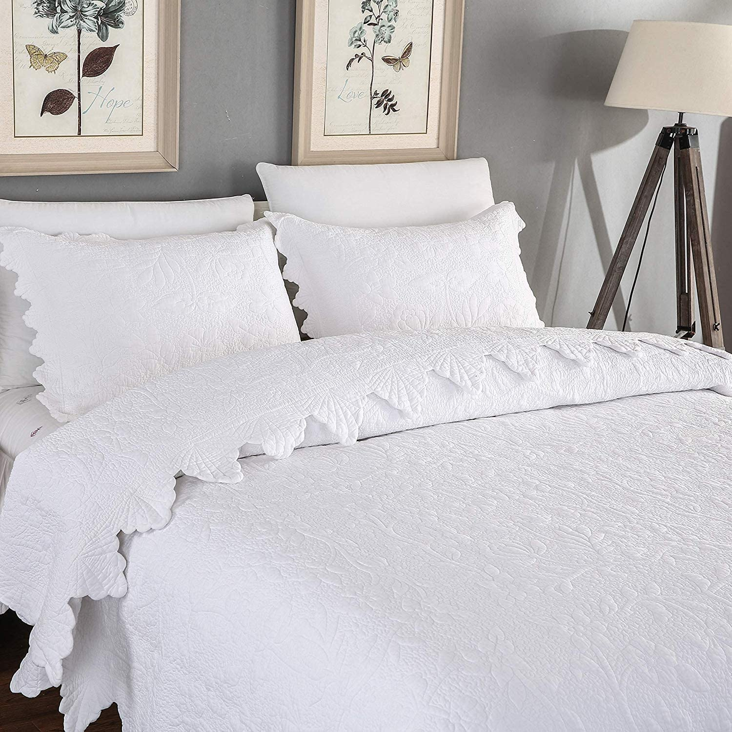 Brandream White Quilts Set King Size Farmhouse Bedding 100% Cotton Quilted Bedspreads(Quilt 98x106 with 4 Standard Size Pillow Shams)