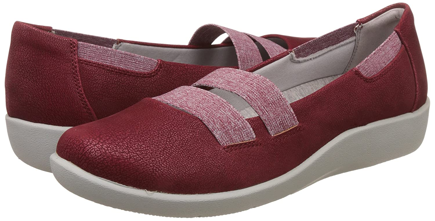 b9d95505e59 Clarks Women s Sillian Rest Cherry Loafers and Moccasins  Buy Online at Low  Prices in India - Amazon.in