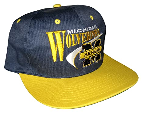 3993a220a26 Drew Pearson Men s Vintage Snapback Cap Nos Michigan Wolverines Adjustable  22.05 Inch - 23.62 Inch Dark