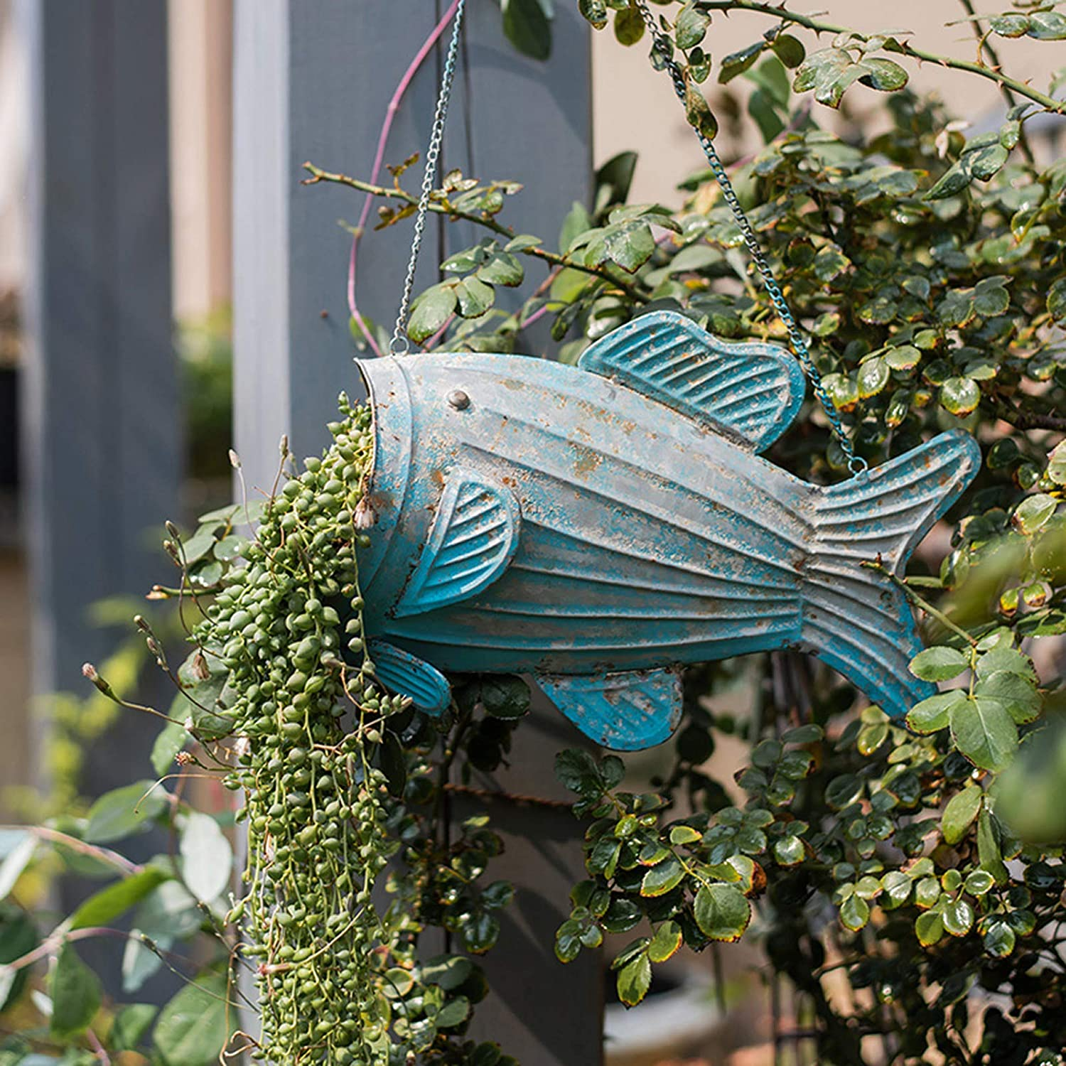 OwMell Metal Fish Hanging Planter Flower Pot Plant Hanger with Chain Wall Art Decor Vintage Style Indoor Outdoor Garden Decoration