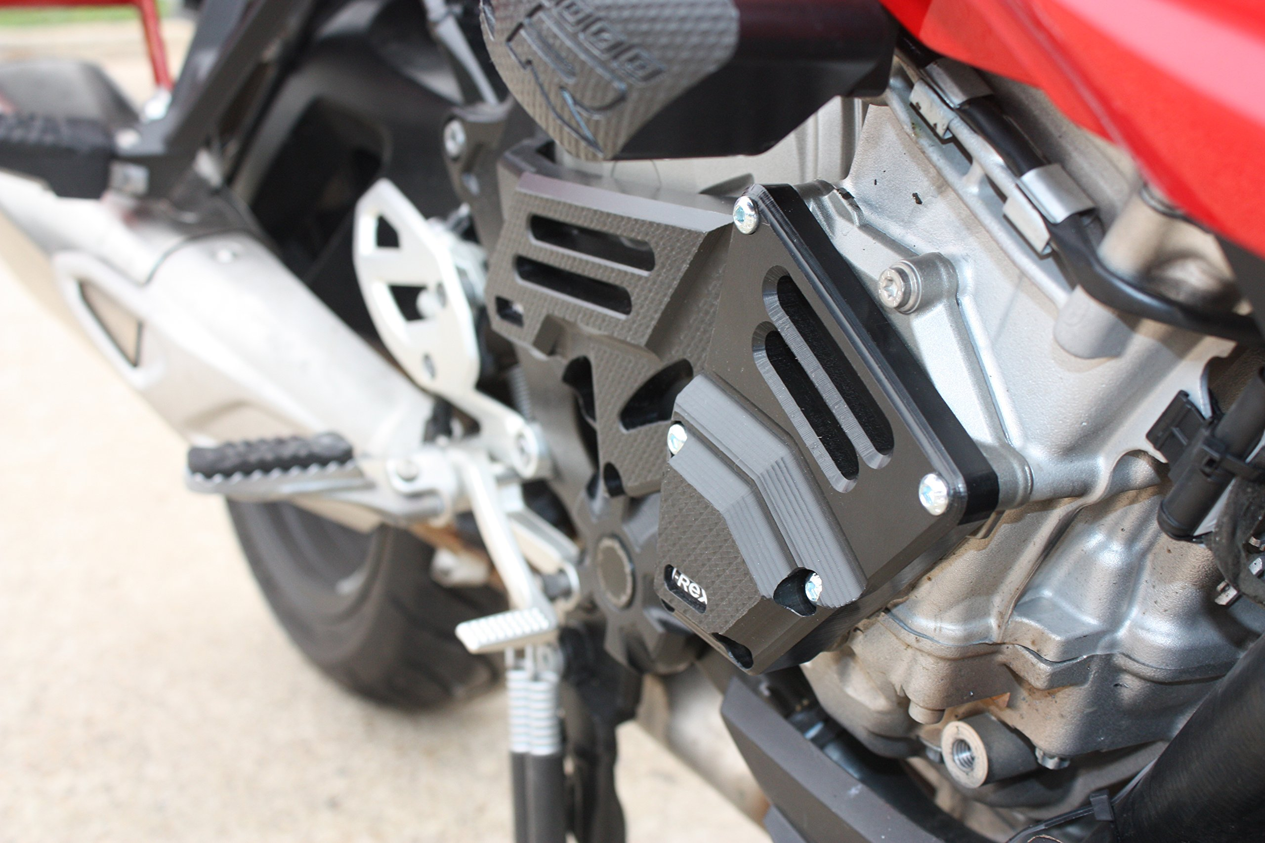 T-Rex Racing 2015 - 2017 BMW S1000XR Engine Stator Pump Case Covers by T-Rex Racing (Image #7)