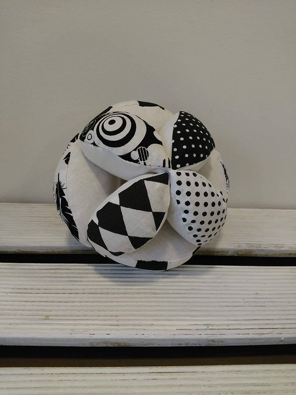 Monochrome puzzle ball, Montessori baby toy