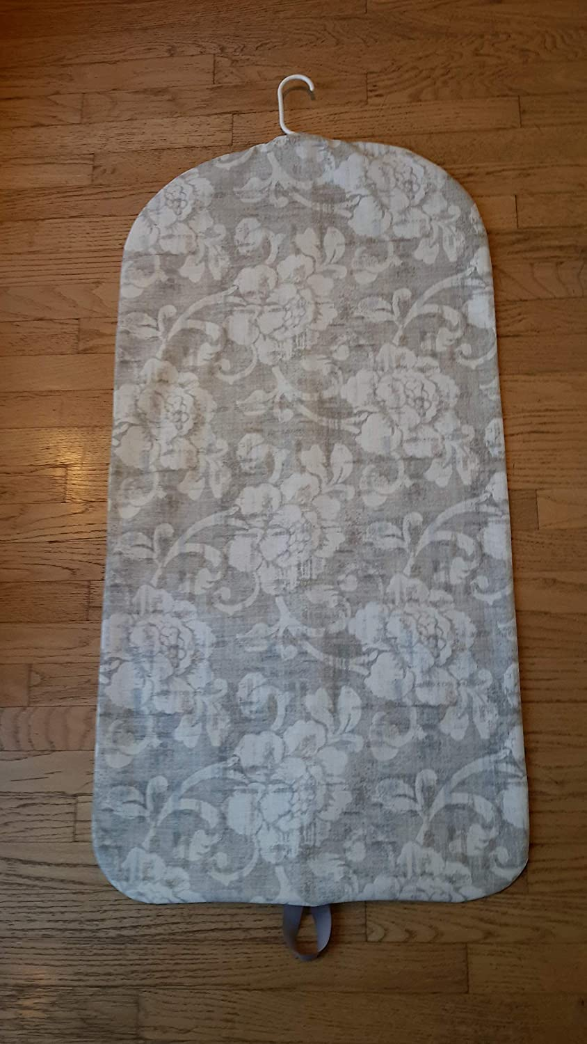 Carry It Well Womens Gray Floral Hanging Garment Bag