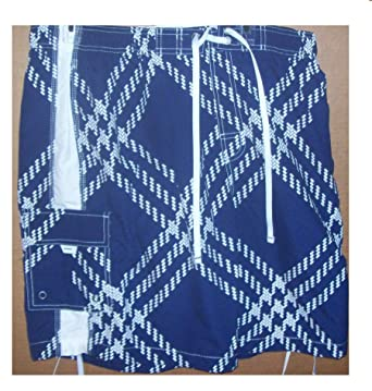 a8f452f286 Image Unavailable. Image not available for. Color: Roundtree and Yorke Size  X-Large Men's Swim Trunks Blue ...