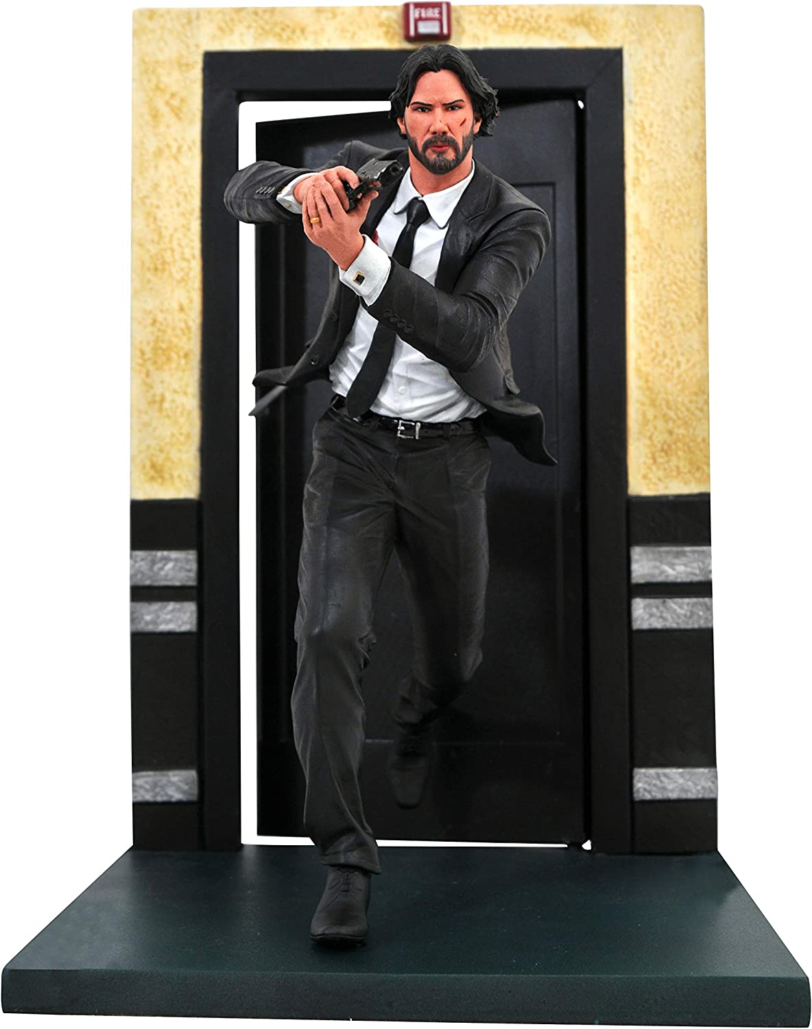 Amazon Com Diamond Select Toys John Wick Gallery Chapter 1 Pvc Figure Multicolor 9 Inches Toys Games
