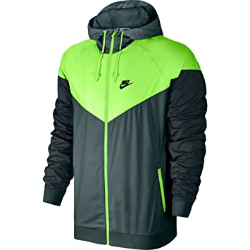 the latest e6fb4 5f193 Nike M NSW Windrunner - Coupe-Vent Homme, Couleur Vert, Taille M