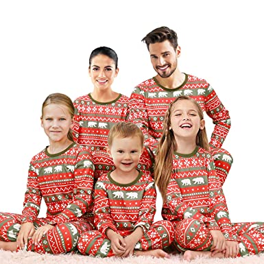2d6877fa5fa6 Amazon.com  Qunisy Family Matching Christmas Pajamas Set Pyjamas Xmas  Sleepwear Holiday Pjs Polar Bear  Clothing