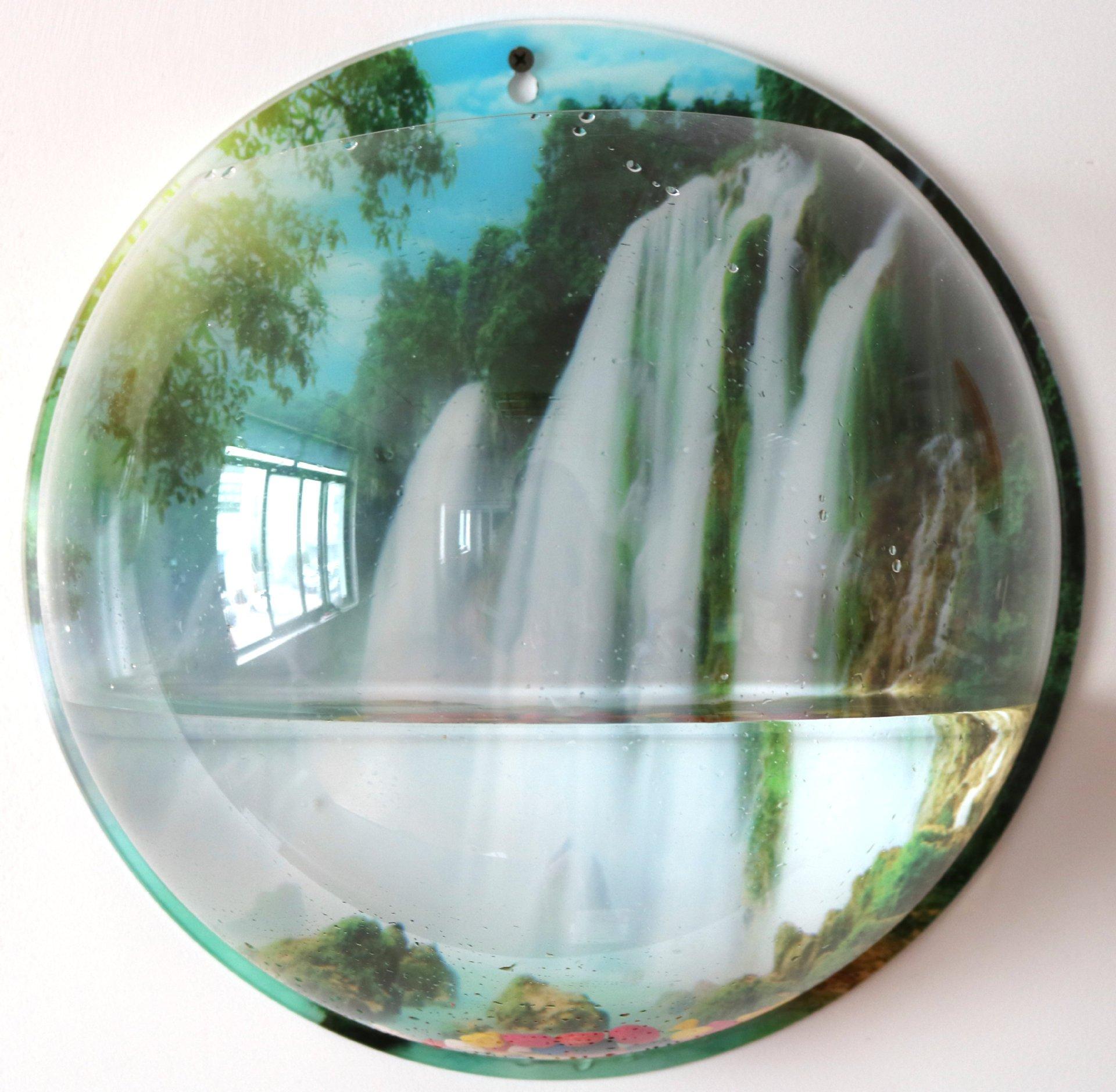 Waterfall Creative Acrylic Hanging Wall Mount Fish Tank Bowl Vase Aquarium Plant Pot Fish Bubble Aquarium Decor for Home and Office