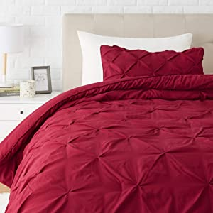 AmazonBasics Pinch Pleat Down-Alternative Comforter Bedding Set - Twin/TwinXL, Burgundy