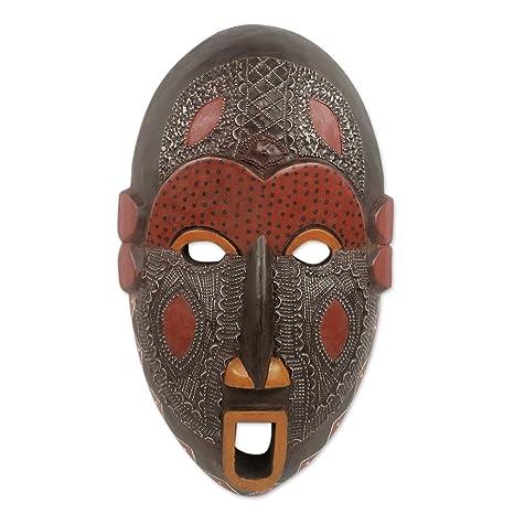 Amazon.com: NOVICA decorativo grande máscara de madera, rojo ...