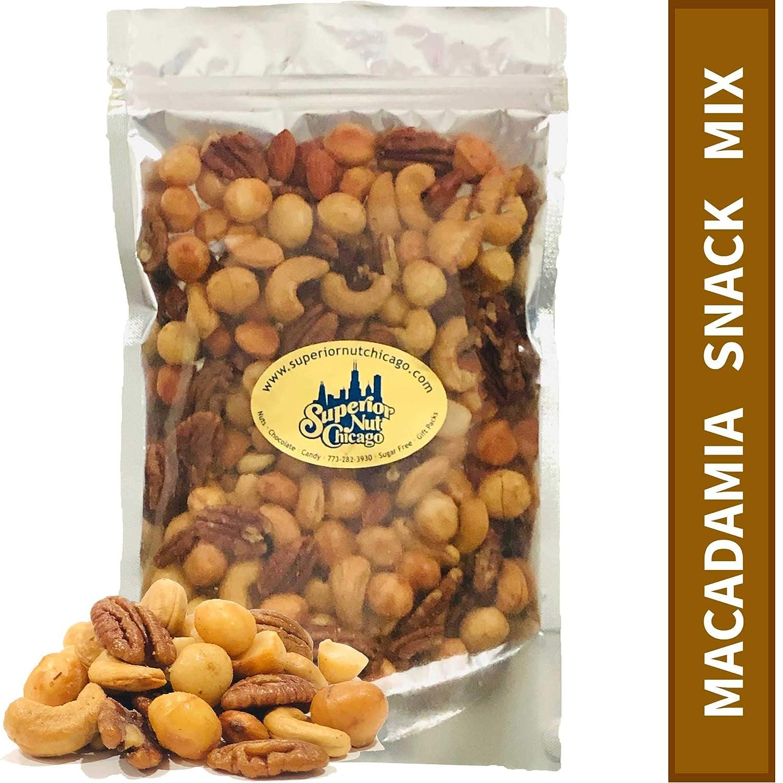 Amazon Com Macadamia Snack Mix Crunchy Macadamia Nuts Almonds Cashews Pecans Premium Nut Mix 1lb 12oz Grocery Gourmet Food