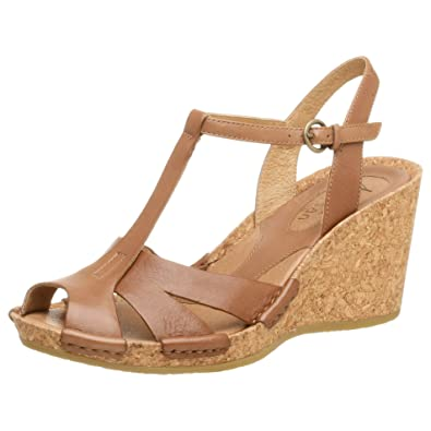 CLARKS Artisan Women s Anissa T-Strap Sandal