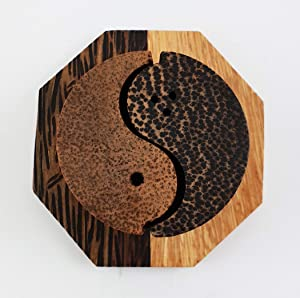 Lalanta Salt and Peper Shaker Set Wood Yin-Yang Design Handmade Utinsil For Tabletop Accesories Decoration