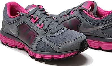pecador Degenerar caminar  Amazon.com: Nike Wmns Dual Fusion St2 454240-006 (6.5): Shoes
