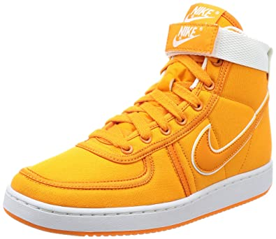 sports shoes f8ad2 78afb Amazon.com  Nike Mens Vandal High Supreme Canvas Qs High-Top Basketball  Shoe  Basketball