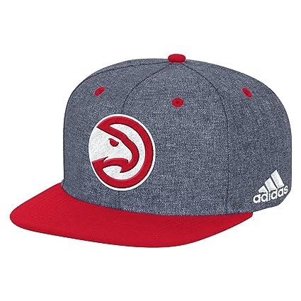 f94a147a592 Amazon.com   NBA Atlanta Hawks Men s Fanwear Flat Brim Snapback Cap ...