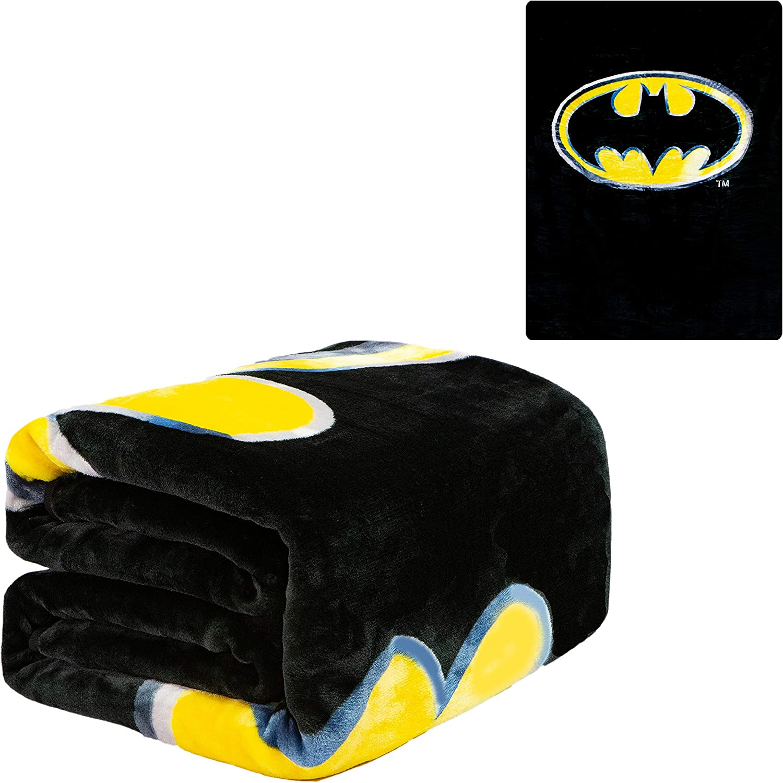 "JPI Flannel Fleece Plush Blanket - Batman Emblem - Queen Bed 79""x 95"" - Lightweight Microfiber Blanket for Home Decor, Bedding Sets, Sofa Bed, Couch, Picnic Blanket, Camping Blanket"