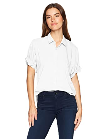 8a6ae380c1edf Amazon.com  Splendid Women s Boyfriend Short Sleeve Shirt  Clothing