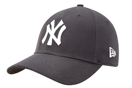 56ba998926f17 Amazon.com   MLB New York Yankees Kid s Tie Breaker 39Thirty Cap ...