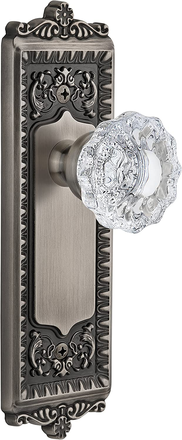 Passage 2.375 Grandeur Fifth Avenue Plate with Versailles Crystal Knob Antique Pewter