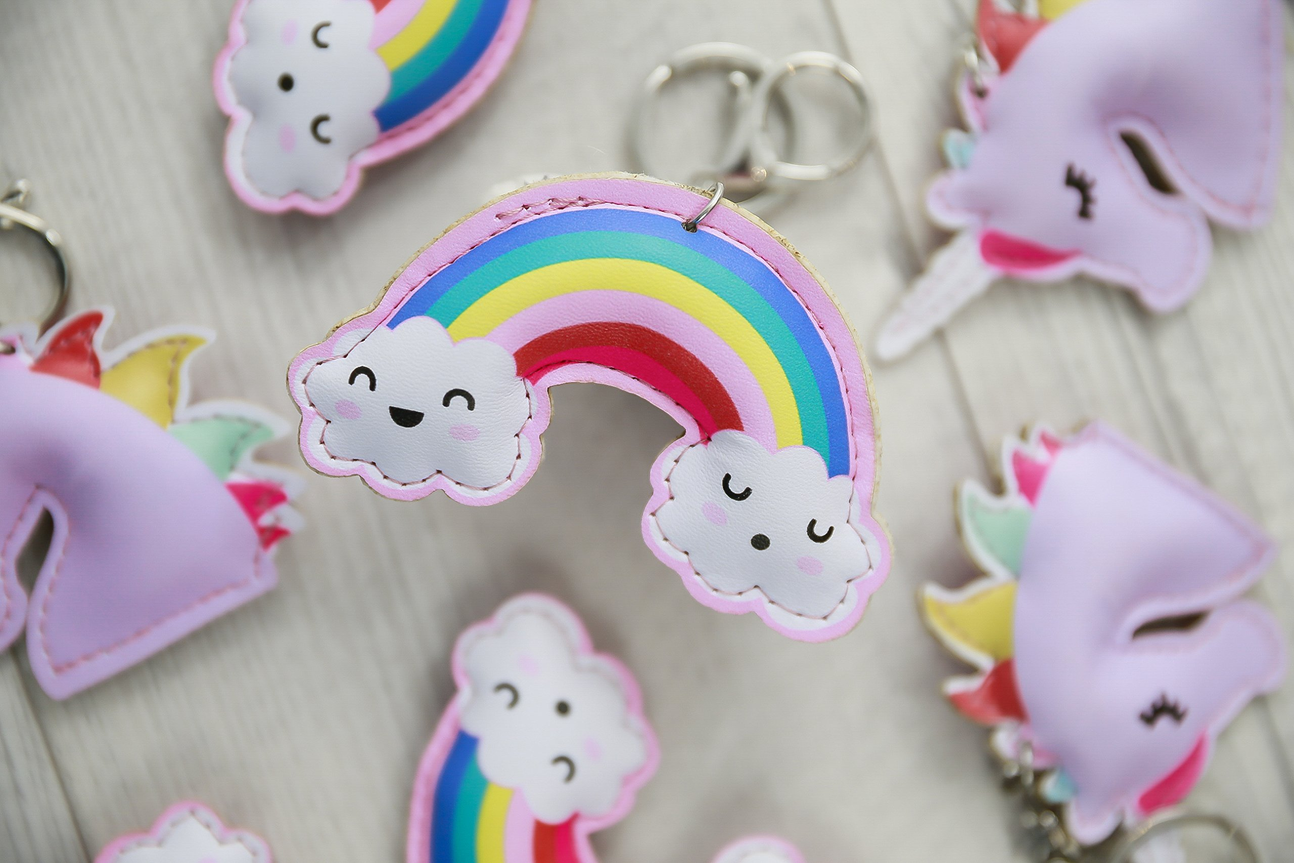 Hugo & Emmy NEW: Unicorn Rainbow Keychains and Keyrings, 8 Pack - Bulk Unicorn Party Favors, Supplies, Prizes, Accessories for Girls and Kids Birthday Parties – Includes 4 Unicorns & 4 Rainbows