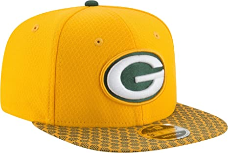 396e6e1c665 Image Unavailable. Image not available for. Color  New Era Men s Green Bay  Packers Sideline 2017 On-Field 9Fifty Snapback ...